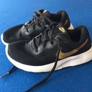 Tennis Nike for girls size 13c